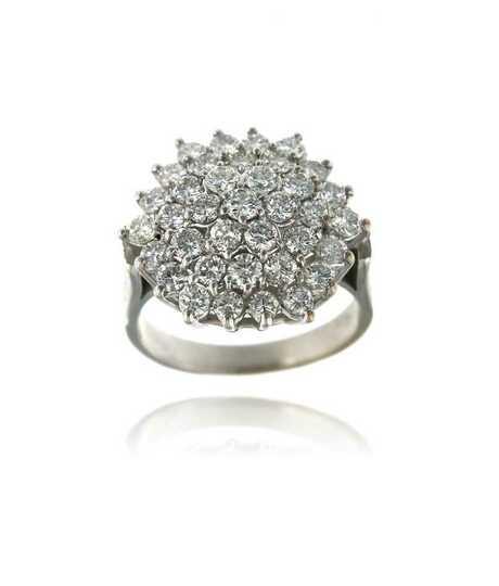 Witgouden ring met in stervorm gezette briljanten 1.08 ct