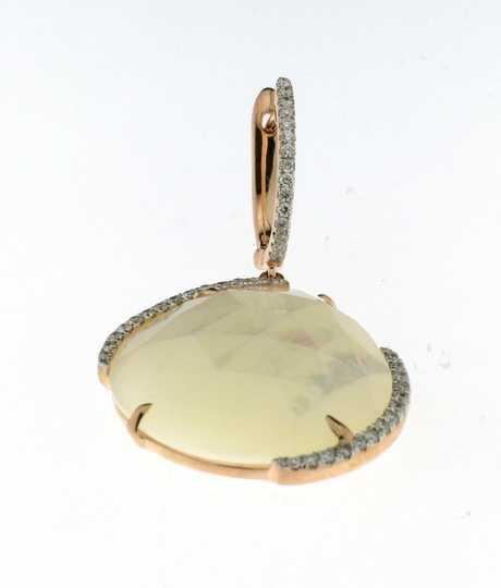 Oorbellen in roze goud met wit parelmoer Pinctada Maxaima Ob 18k rg 55ct