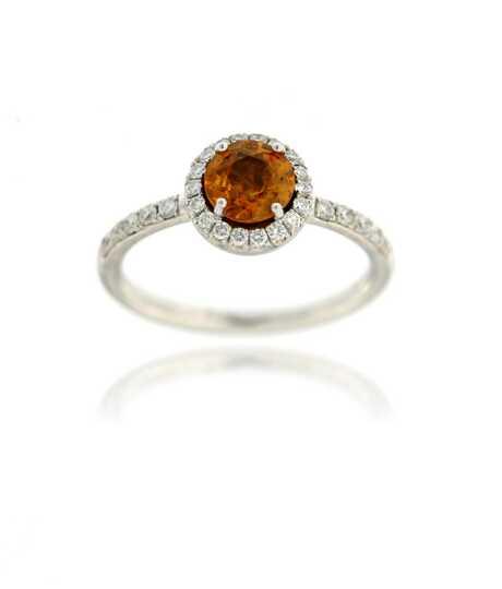 Witgouden ring met oranje saffier 0.89 ct en briljanten
