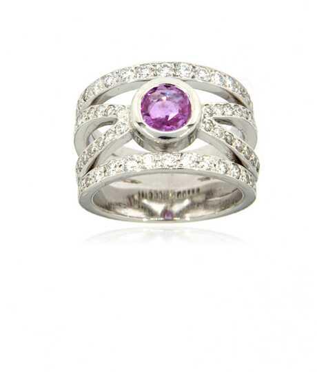 Witgouden ring met rose Beryllium en 58 briljanten